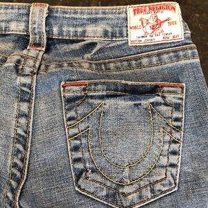 Women's True Religion Johnny jeans. Size 28